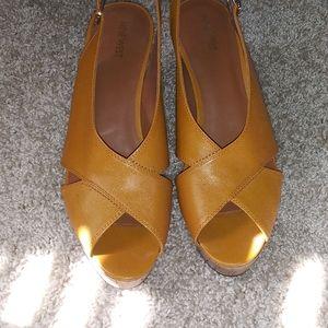 Nine west wedge orange sandal, size 11